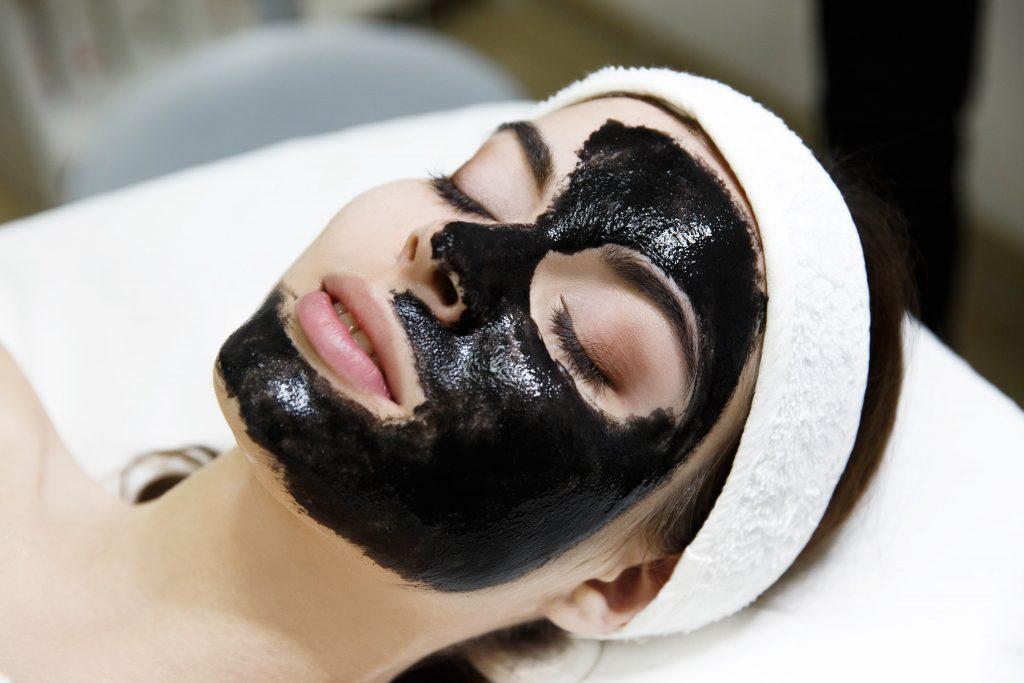 wijaya platinum wpc laser black carbon perawatan mencerahkan wajah