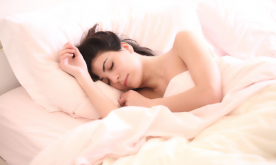 Hapus Makeup Sebelum Tidur